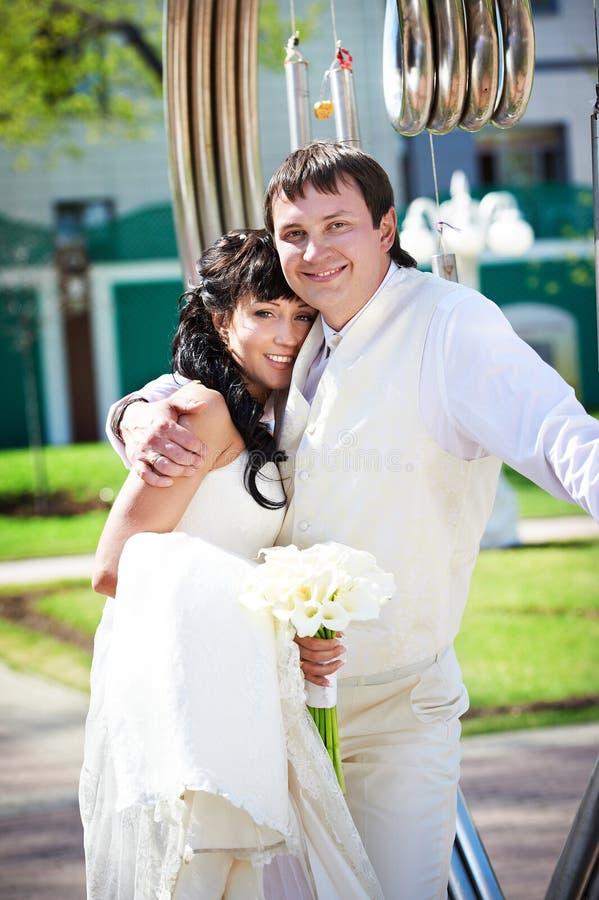 关于艺术铁器的新娘和新郎 库存照片