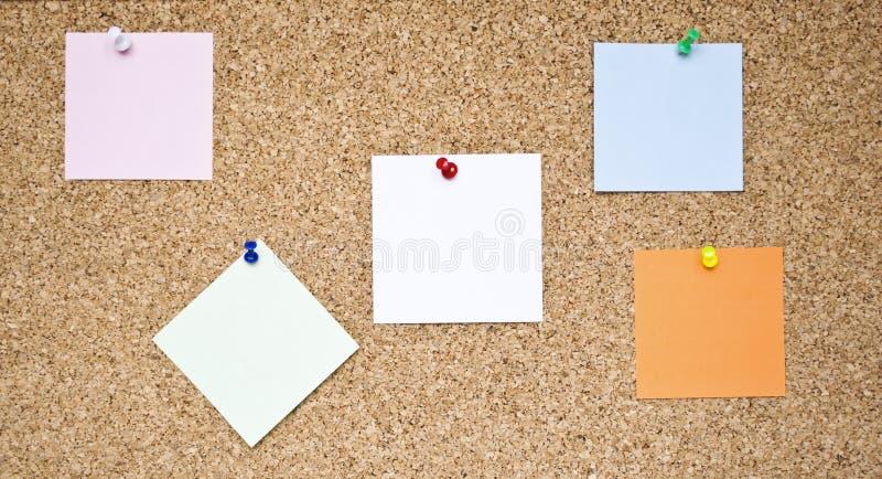 关于黄柏板的空的备忘录笔记 库存照片