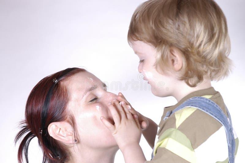 Download 关心皮肤 库存照片. 图片 包括有 可爱, 男朋友, 健康, 奶油, 保护, 少许, 母亲, 卑鄙, 化妆用品 - 300130
