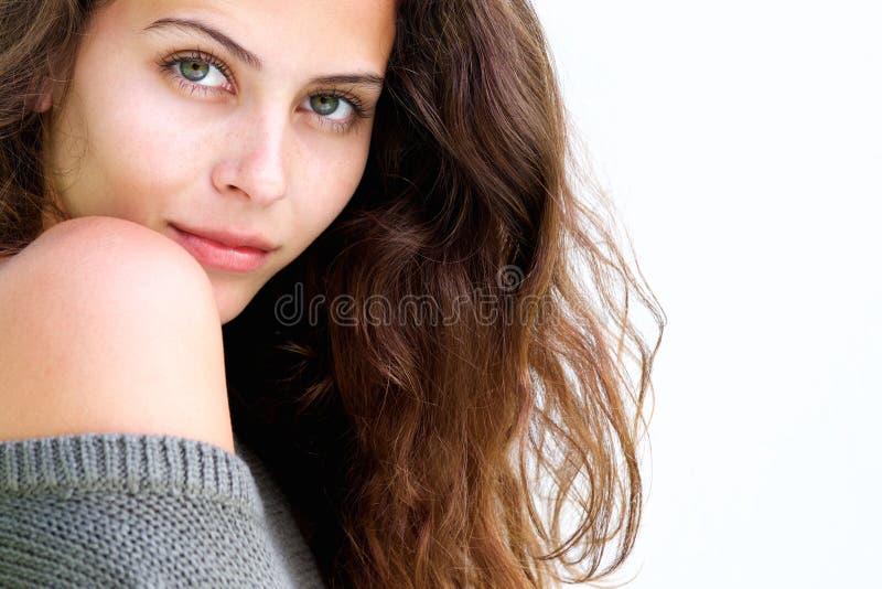 关闭与长的头发的美好的女性时装模特儿 图库摄影