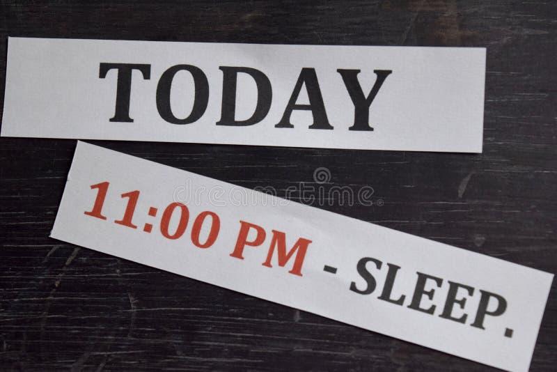 关闭做议程每日日程表在个人组织者 事务和企业家概念 r 库存照片