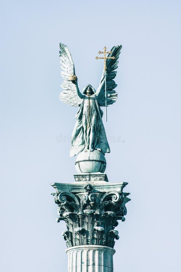 关闭千年纪念碑照片在英雄的摆正,布达佩斯 免版税图库摄影