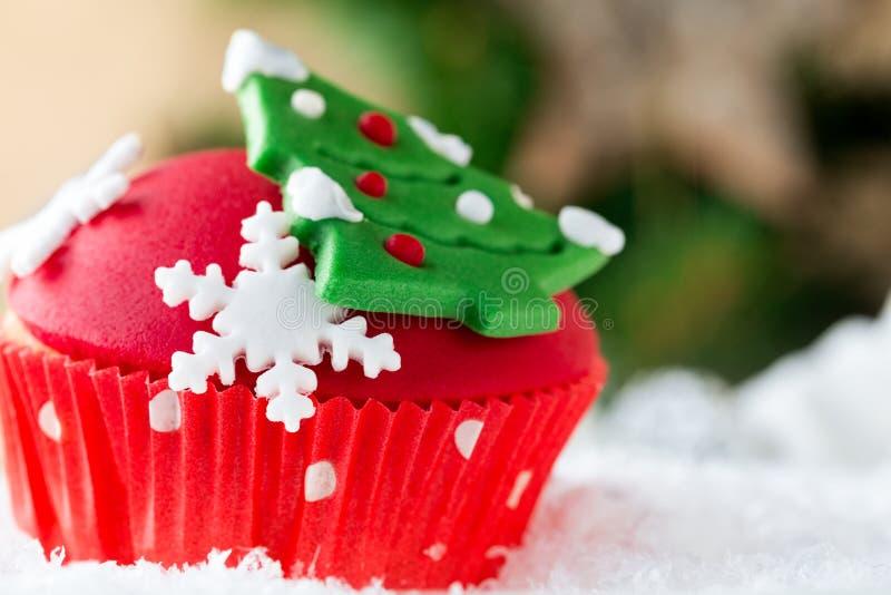 关闭圣诞节杯形蛋糕 库存照片