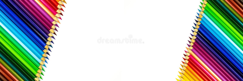 关闭在白色背景的颜色铅笔与裁减路线 库存照片