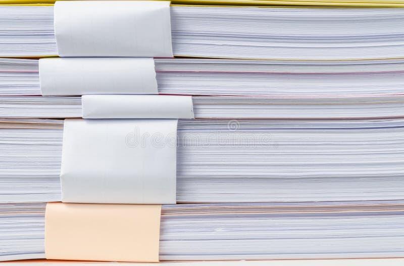 关闭堆纸 免版税库存照片