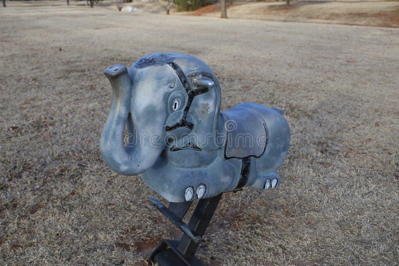 关闭大象玩具在公园 免版税库存图片