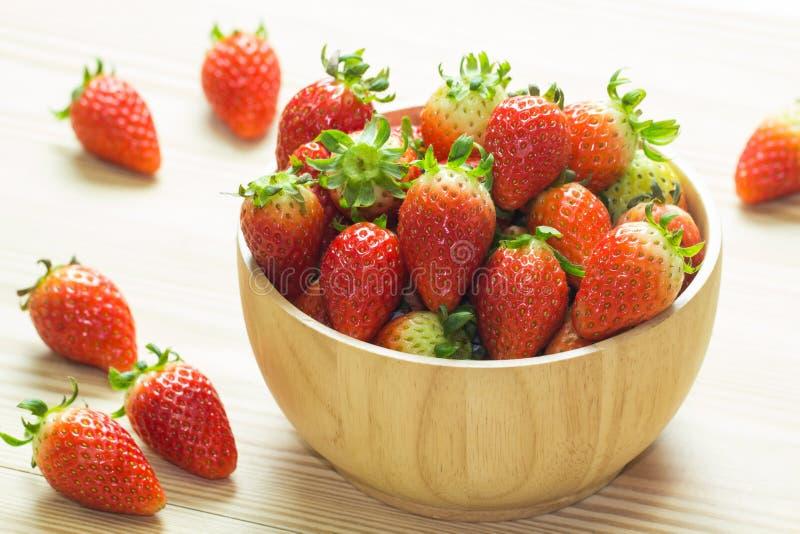 关闭小组新鲜的红色草莓 图库摄影
