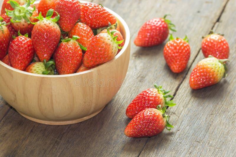 关闭小组新鲜的红色草莓 免版税库存图片