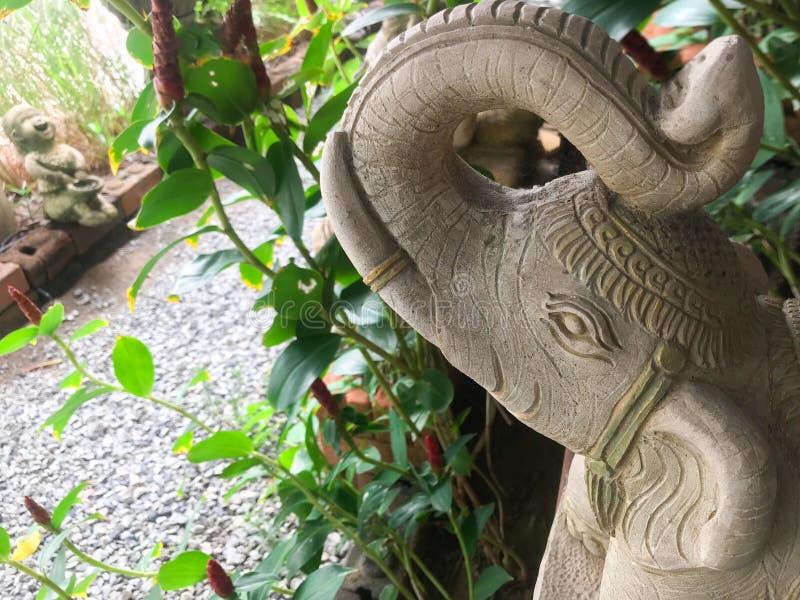 关闭泰国大象雕象葡萄酒样式 免版税库存图片