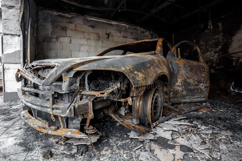 关闭烧光汽车的照片 免版税库存图片