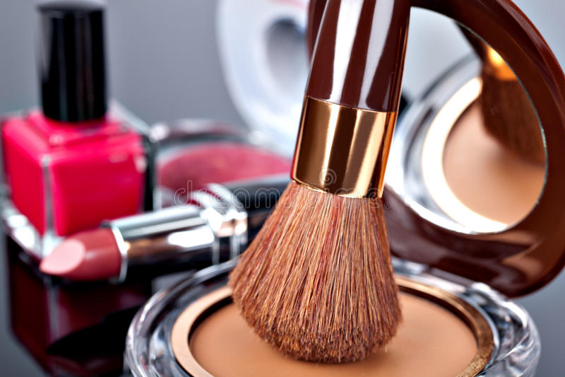 各种各样的化妆用品 免版税库存照片