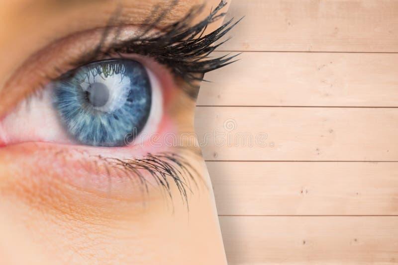 关闭的综合图象女性蓝眼睛 图库摄影