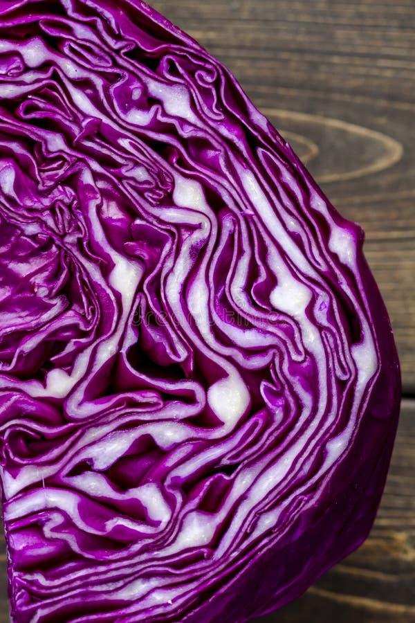关闭紫色红叶卷心菜头 图库摄影
