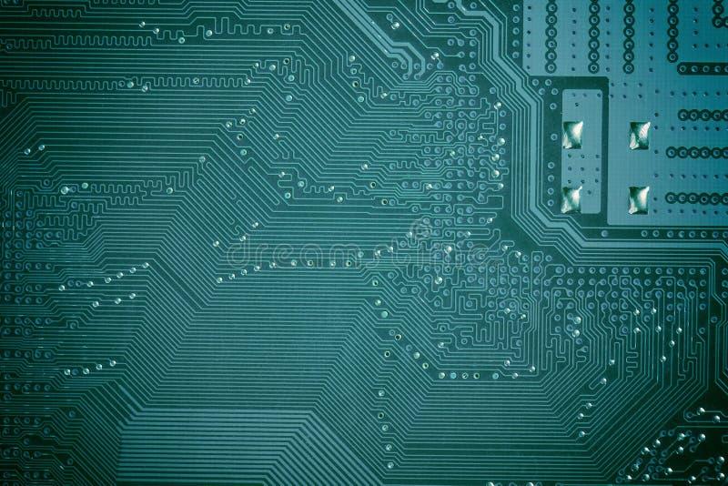 关闭绿色电路计算机主板 背景二进制代码计算机科技 库存照片