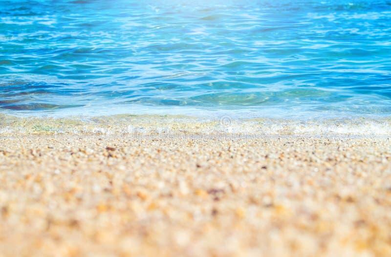关闭蓝色海波浪沙子海滩海滨的,自然backgrou 图库摄影