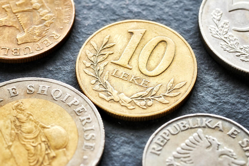 关闭阿尔巴尼亚阿尔巴尼亚的货币单位硬币的图片 库存图片