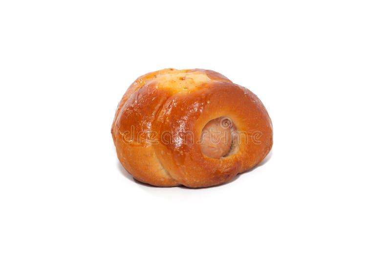 关闭鸡在白色的香肠小圆面包 库存图片