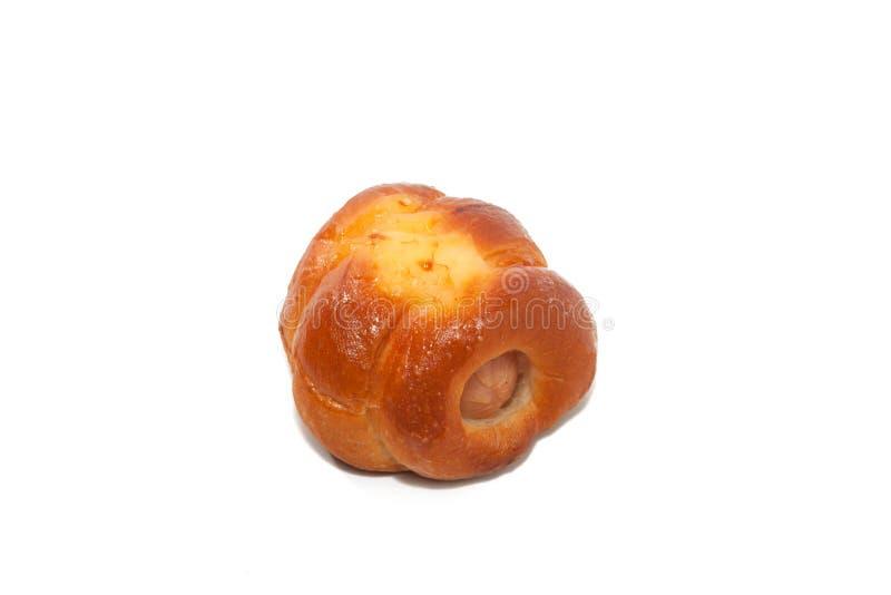 关闭鸡在白色的香肠小圆面包 库存照片