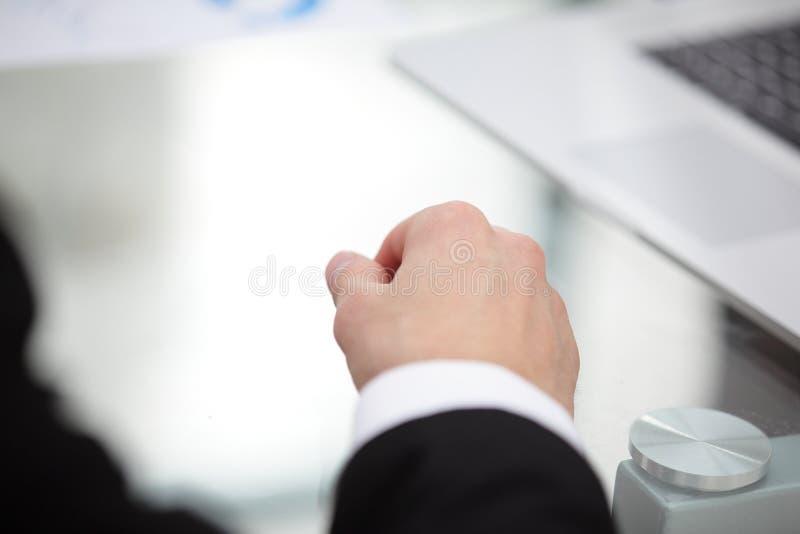 关闭 商人的移交书桌 库存图片