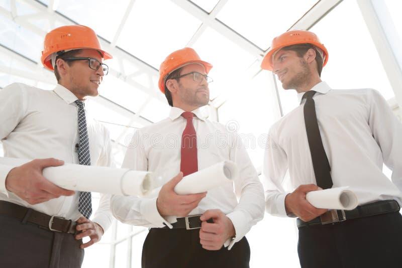 关闭 小组建筑师建造者 免版税库存照片