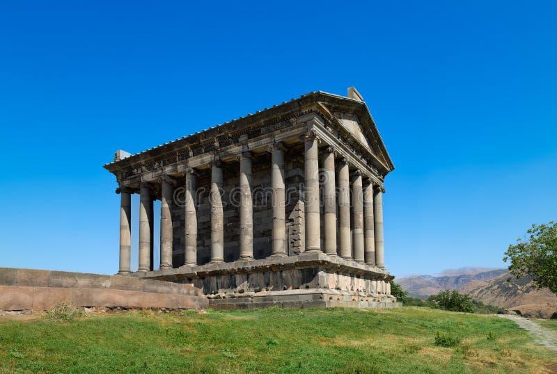 其中一个亚美尼亚- Garni寺庙最有趣的古老地标,异教的寺庙,兴建在古典希腊文化的样式 免版税库存图片
