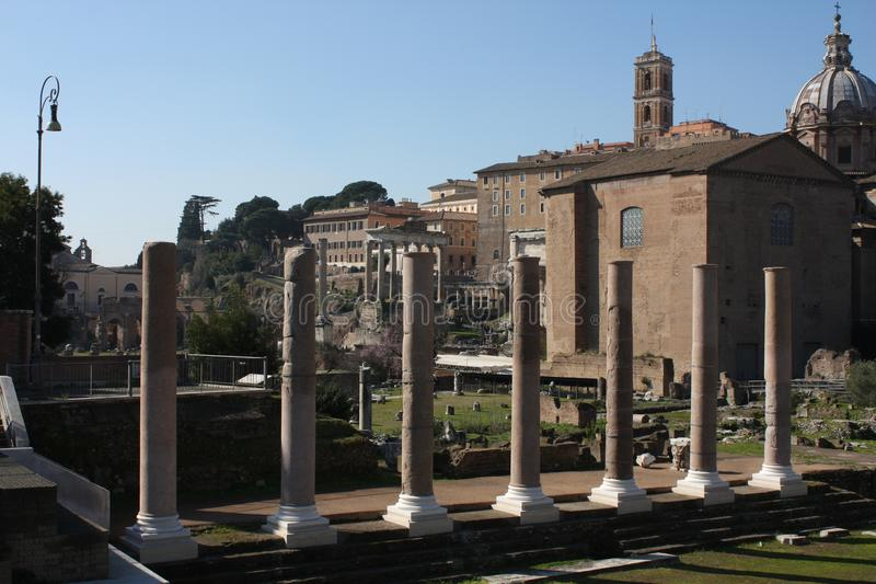 其中一个最著名的地标在世界上-罗马广场在罗马,意大利 免版税库存照片
