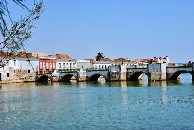其中一座在河Gilào的Tavira的桥梁 库存图片