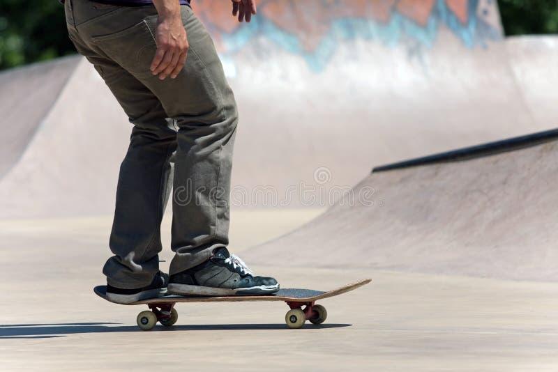 具体冰鞋溜冰板者 免版税库存照片