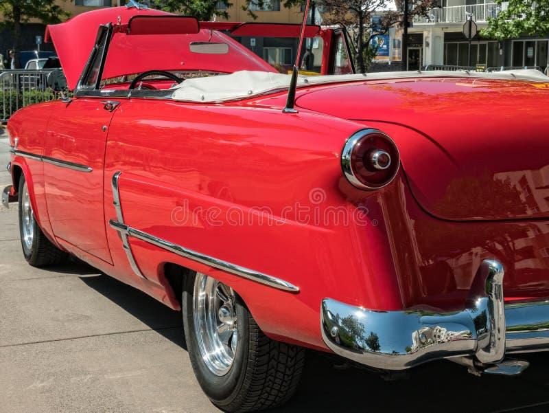 经典之作1954年福特敞篷车 图库摄影