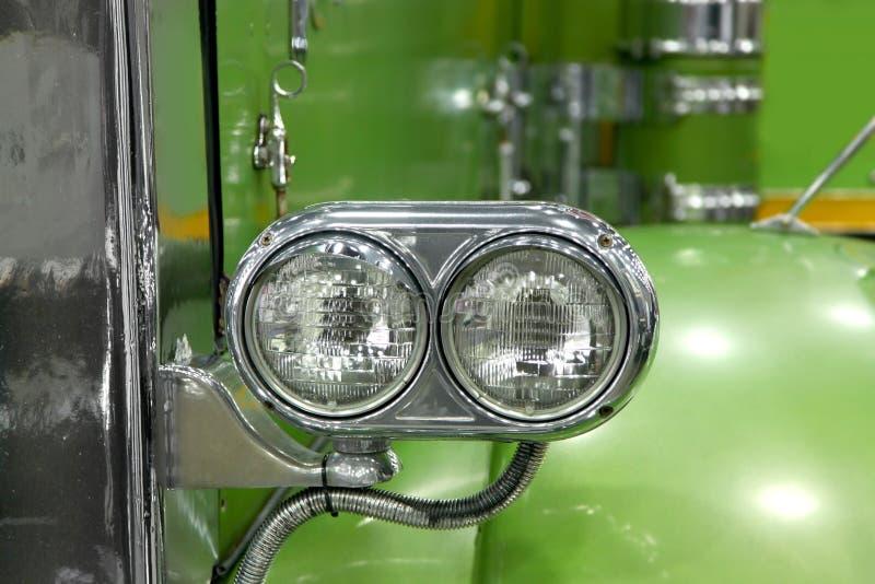 经典半绿色卡车顶头灯  图库摄影