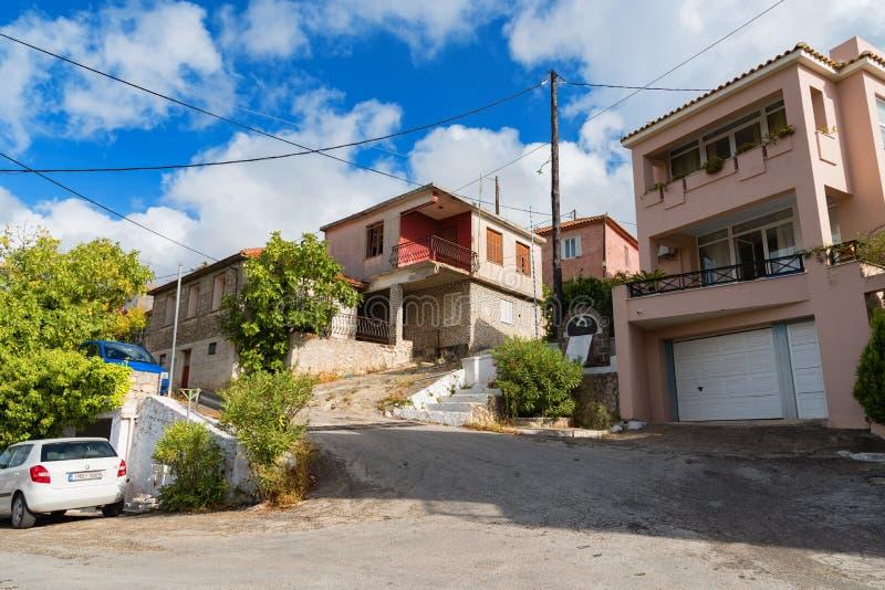 典型的小屋在Keri村庄,扎金索斯州海岛,希腊的一个晴朗的夏日 免版税库存图片