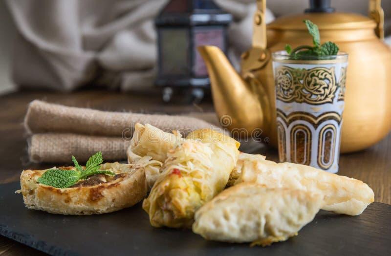 典型的摩洛哥和阿拉伯食物 库存图片