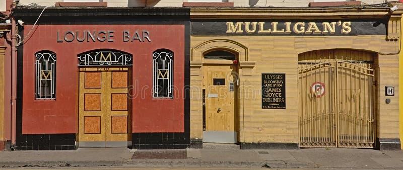 典型的爱尔兰客栈和酒吧在都伯林 免版税图库摄影
