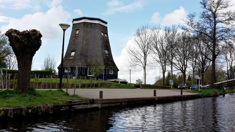 典型的荷兰村庄,羊角村在荷兰 免版税库存照片