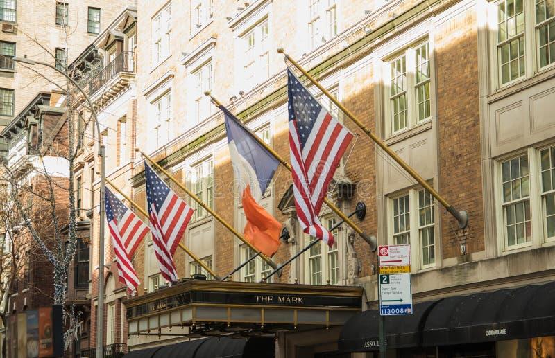 典型的街道视图在曼哈顿 纽约美国- 2019年1月3日, 免版税库存照片