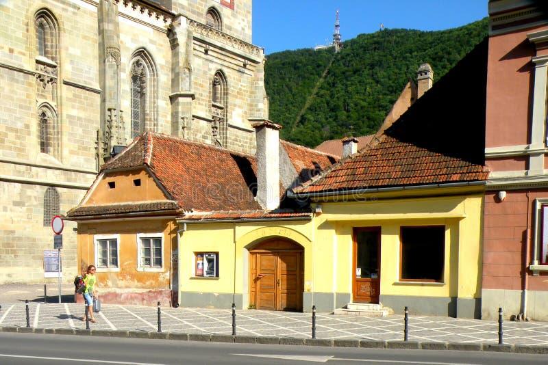典型的都市风景在布拉索夫, Transilvania 免版税库存照片