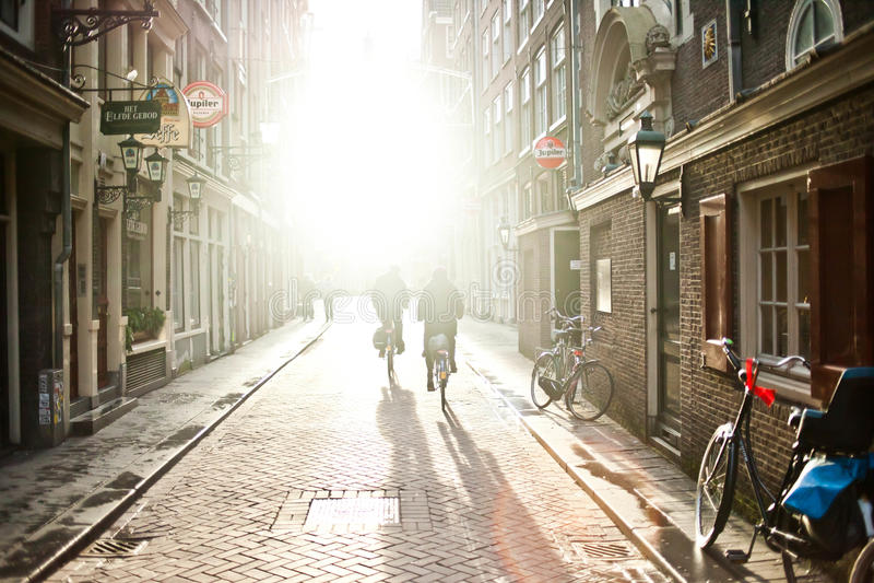 典型的阿姆斯特丹和自行车 免版税库存图片