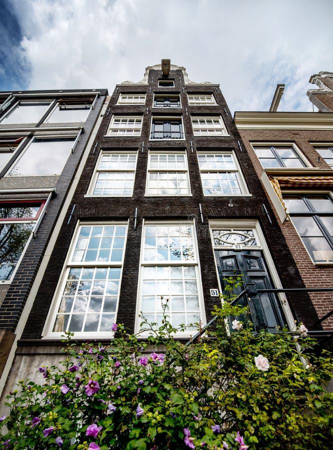 典型舒适,一点阿姆斯特丹buidings 免版税库存图片