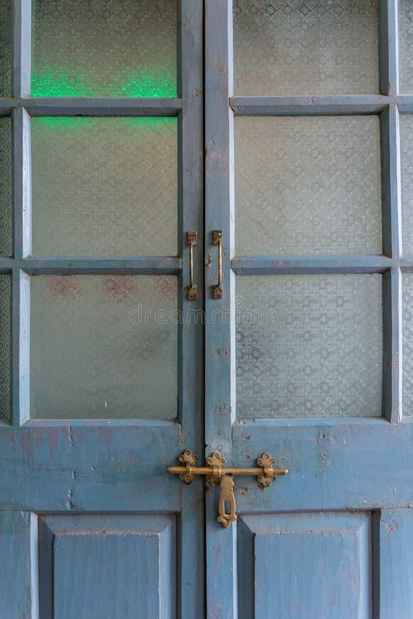 经典样式玻璃古色古香的门 免版税图库摄影