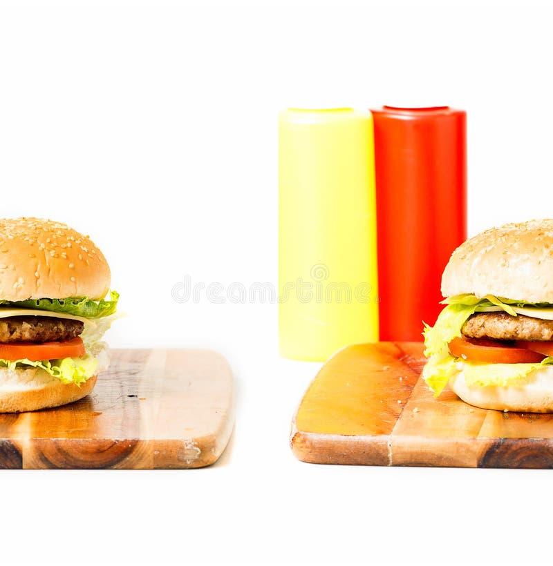 Download 经典汉堡包用乳酪 库存图片. 图片 包括有 莴苣, 快速, 三明治, 干酪, 抽象, 食物, 巴西, 汉堡 - 62535461