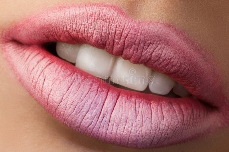 经典红色嘴唇 免版税库存图片