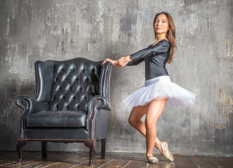 经典舞蹈演员 库存图片