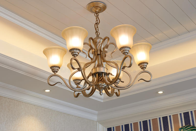 经典豪华下垂照明设备 免版税库存图片