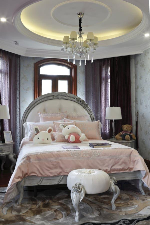 典雅和浪漫女孩卧室 图库摄影
