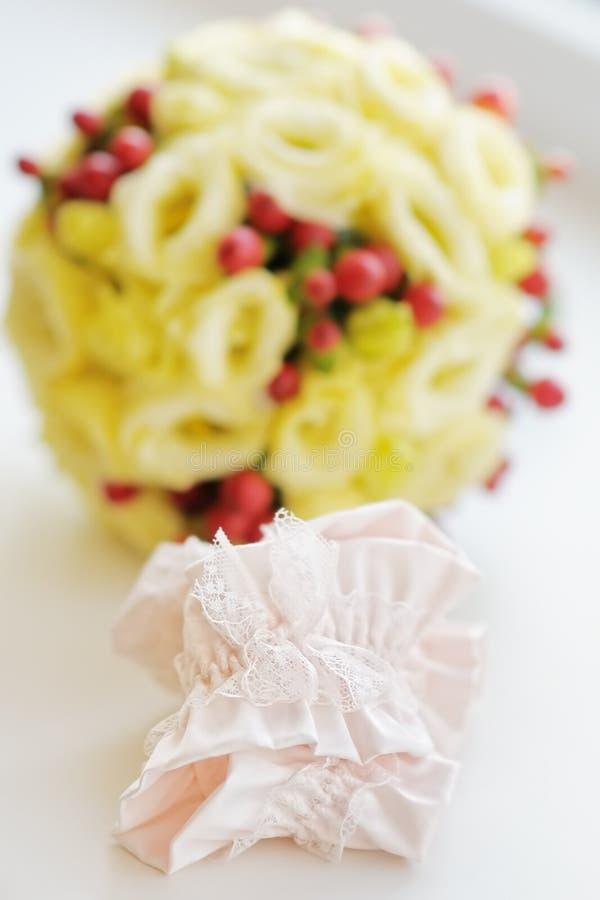典雅的新娘袜带 库存照片