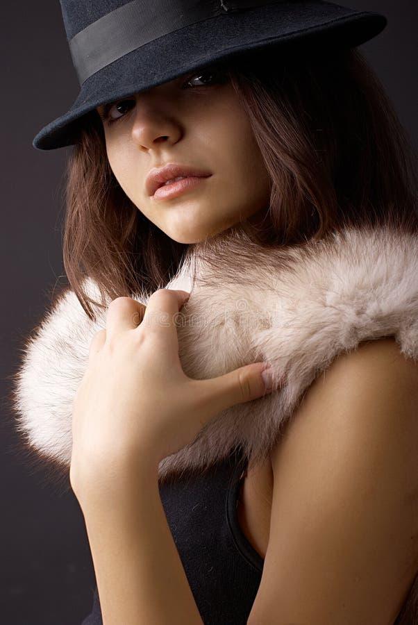 图片 包括有 brunhilda, 发型, 调情的人, 方式, 查找, 盖帽图片