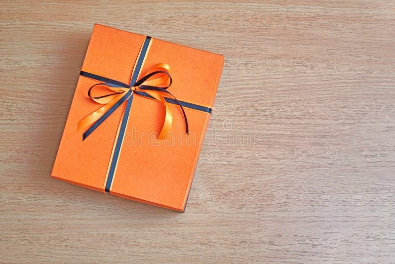 典雅的箱子用桔子 库存照片