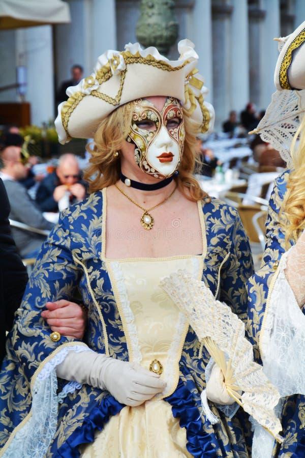 典雅的蓝色威尼斯式面具,威尼斯,意大利,欧洲 免版税库存照片