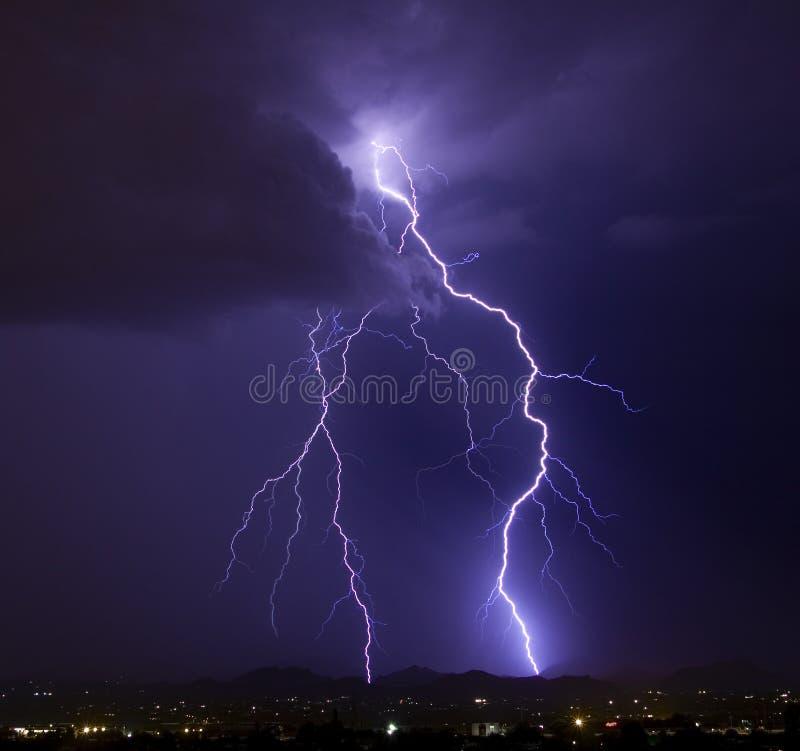 典雅的闪电 免版税库存照片