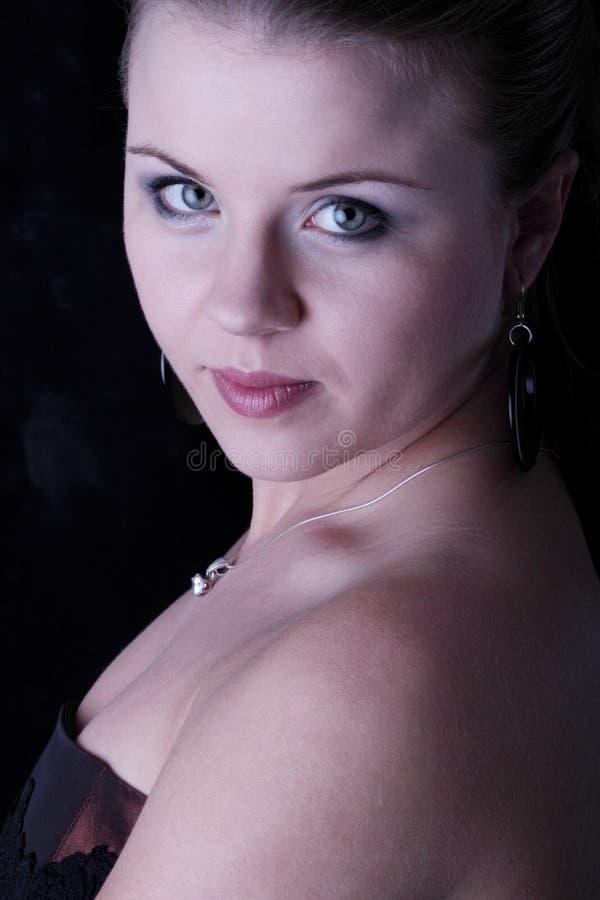 典雅的青少年的妇女 免版税库存照片